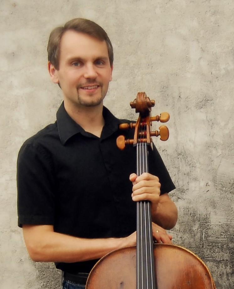 Christopher Hutton, Cellist: Reflecting Bach • Marigny